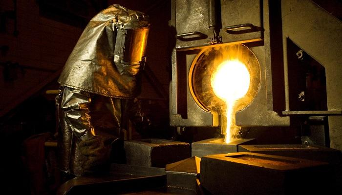 Fundición de oro procedente de las minas de Newmont en Nevada (EEUU)