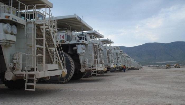 Camiones en la mina de Peñasquito (México)