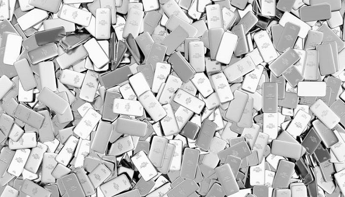 Lingotes de plata amontonados