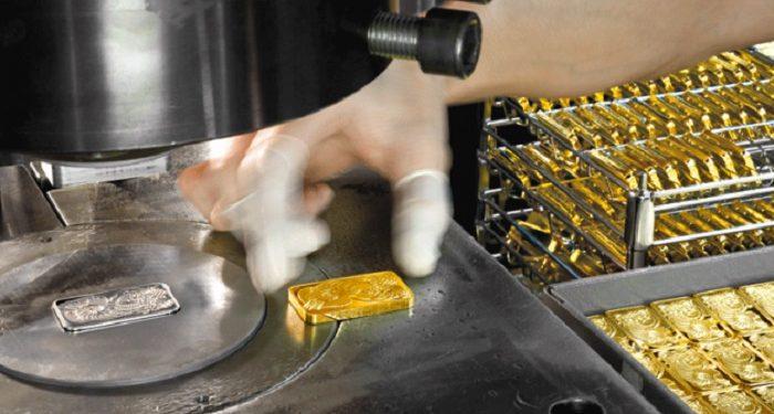 Fabricación de lingotes de oro en la refinería MKS-PAMP
