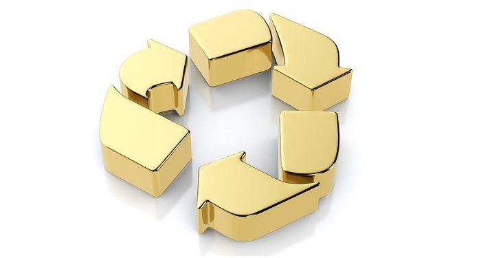Símbolo del reciclaje en oro