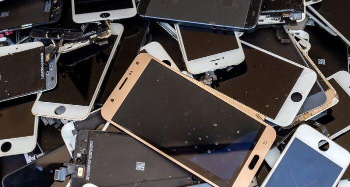 Teléfonos móviles achatarrados